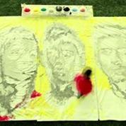 Une artiste réalise des portraits de Messi, Ronaldo, Neymar avec un ballon de foot
