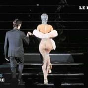 Rihanna à moitié nue au Gala du CFDA