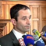 Albi : Benoît Hamon, ému, parle d'un jour de vacances endeuillé