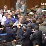 MH17 : une bagarre éclate au Parlement ukrainien