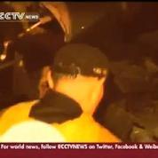 Crash à Taïwan : les premières images des télévisions locales