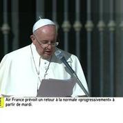 L'hommage du pape François aux personnes âgées place Saint-Pierre