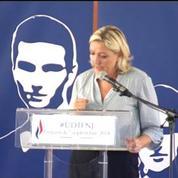 François Hollande doit laisser le peuple s'exprimer, affirme Marine Le Pen