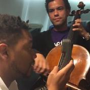 Quand un violoncelliste et un beatboxer se rencontrent dans un avion