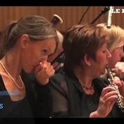 Des musiciens avalent le piment le plus fort du monde avant un concert