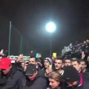 Football / OL : Les supporters s'invitent à l'entraînement avec une banderole