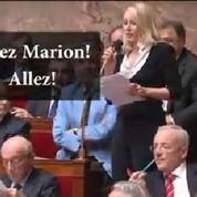 Les encouragements de Collard à Le Pen à l'Assemblée nationale