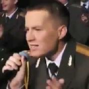 Les choeurs de l'Armée rouge reprennent