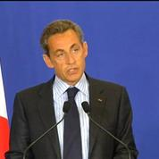 Sarkozy: Notre démocratie est attaquée nous devons la défendre sans faiblesse, après l'attentat à Charlie Hebdo