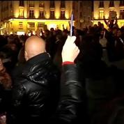 Plus de 100.000 personnes rassemblées en hommage aux victimes de Charlie Hebdo