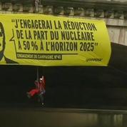 Action anti-nucléaire: Greenpeace déploie des banderoles sur la Seine
