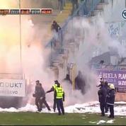 Enorme bagarre dans les tribunes en Bosnie