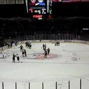 Bagarre entre ... pompiers et policiers lors d'un match de hockey à New York
