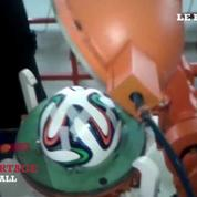 Découverte d'une usine de fabrication du ballon Brazuca