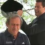 Platini se mouille au nom de l'UEFA pour l'Ice Bucket Challenge
