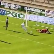 L'énorme raté d'un joueur danois face au but vide