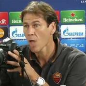 L'entraîneur français de l'AS Rome se moque des photographes
