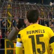 Les joueurs de Dortmund viennent s'excuser auprès de leurs supporters