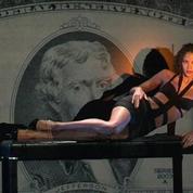 Noémie Lenoir au Crazy Horse