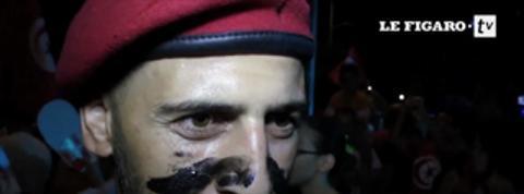 Tunisie : des dizaines de milliers de manifestants contre Ennahda