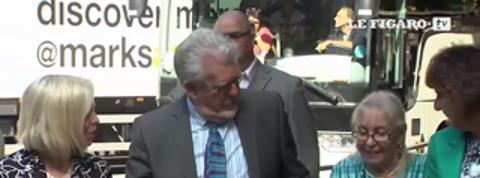Rolf Harris, ex-star de la télévision britannique, jugé coupable d'agressions sexuelles