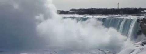 Vague de froid en Amérique du Nord : les chutes du Niagara gelées
