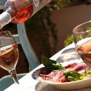 A quelques semaines des vendanges, les rosés de la Loire voient la vie en rose