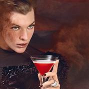 Spiritueux : Milla Jovovich pose pour Campari